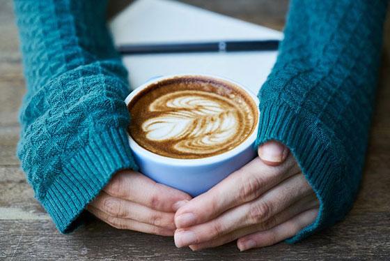 عکس قهوه و دختر برای پروفایل