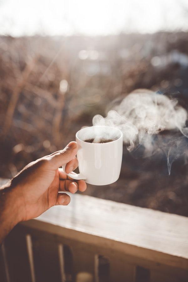 عکس یک فنجان چای داغ آتیشی