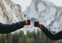 عکس چای خوردن دونفره عاشقانه در طبیعت