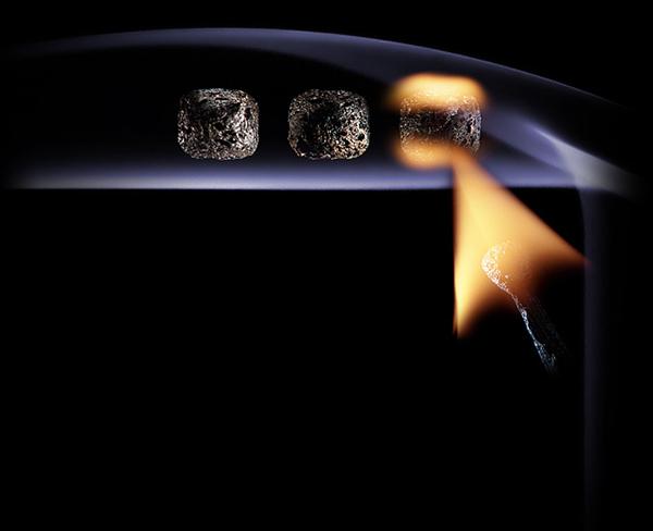 اشکال هنری با با کبریت، دود و آتش