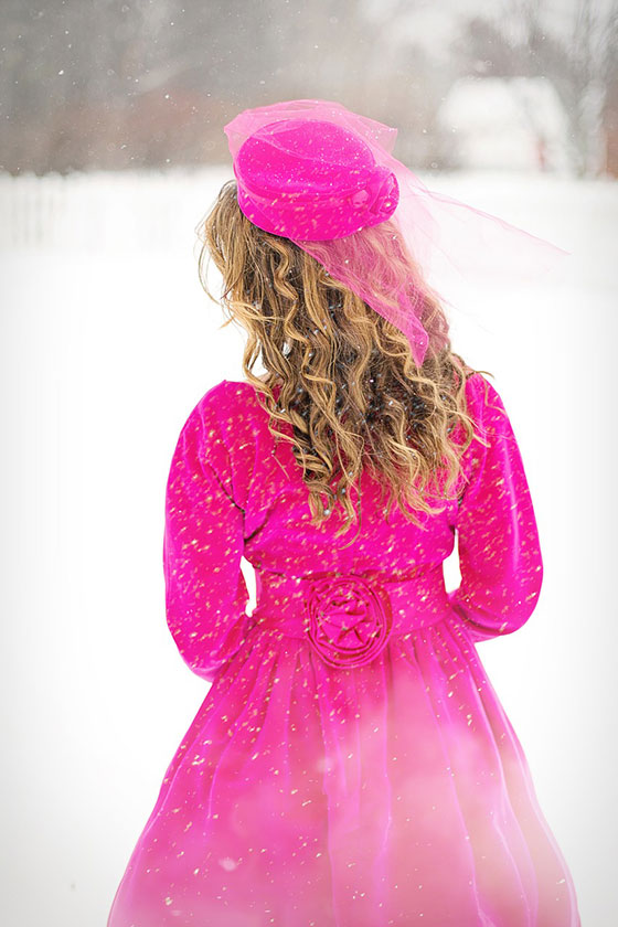 عکس پروفایل زمستانه دخترونه در روز برفی