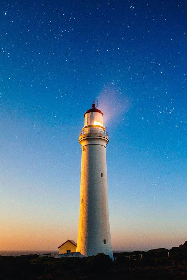 عکس فانوس دریایی در شب