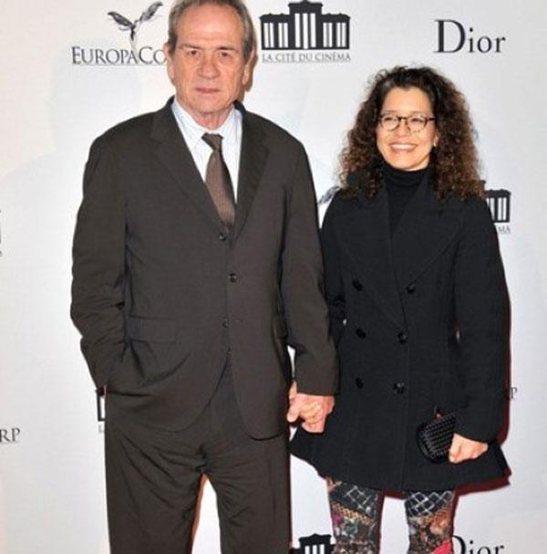 تامی لی جونز و همسرش دان لورل
