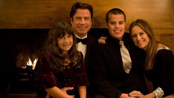 جان تراولتا و فرزندانش