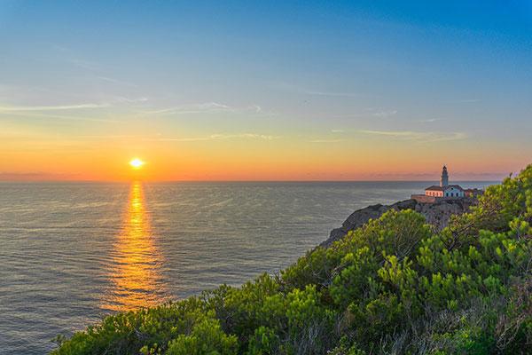 عکس طلوع خورشید روی دریا
