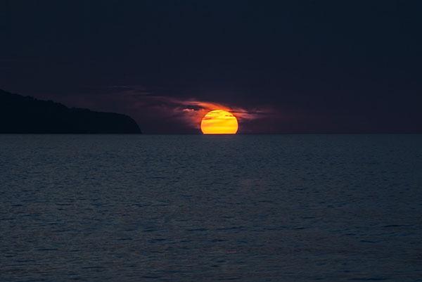 تصاویر غروب خورشید در دریا