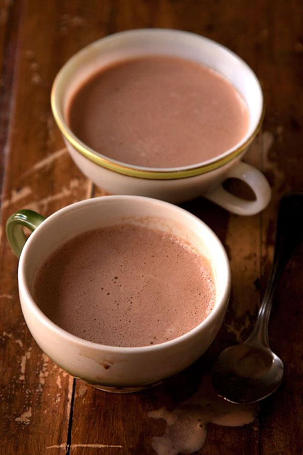 شکلات داغ با پودر کاکائو