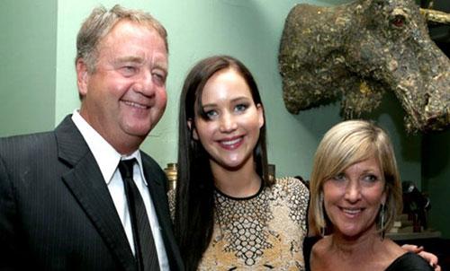 جنیفر لارنس و پدر و مادرش