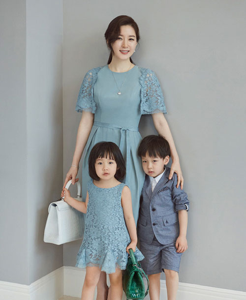 لی یونگ آئه و فرزندانش