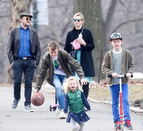 کیت بلانشت و فرزندانش