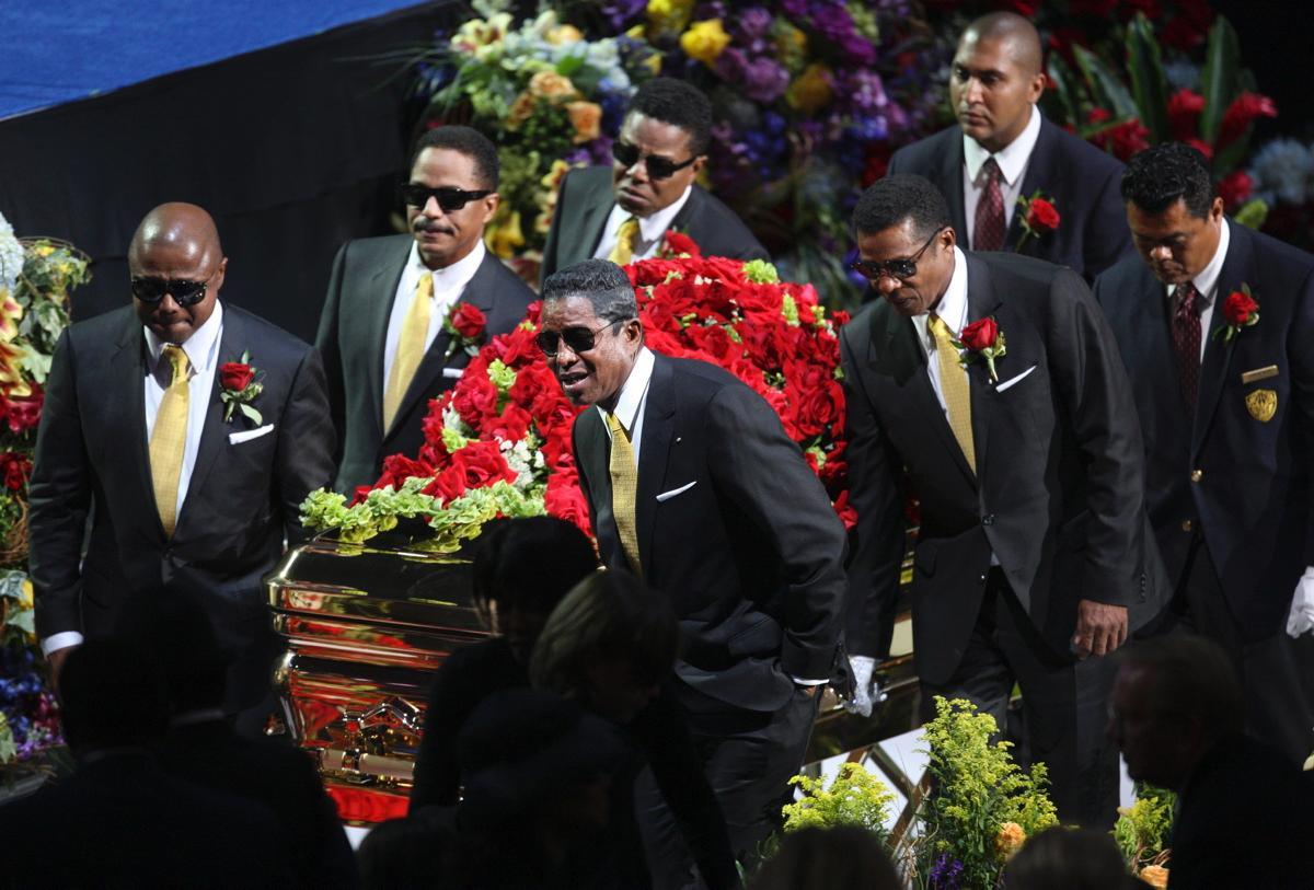 تشییع جنازه مایکل جکسون