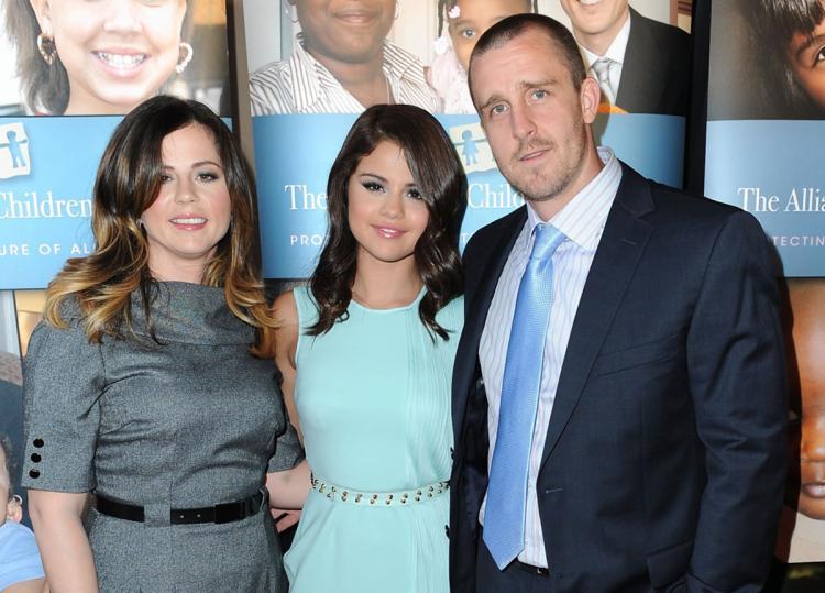 سلنا گومز و پدر و مادرش