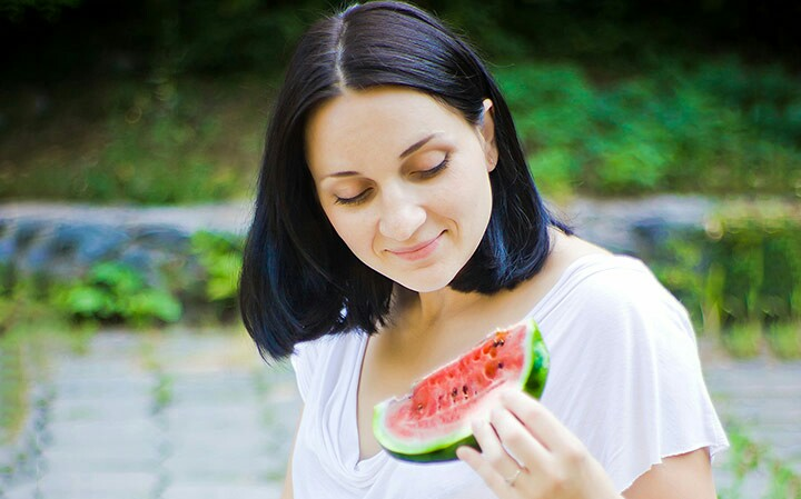 خواص و مضرات هندوانه در بارداری