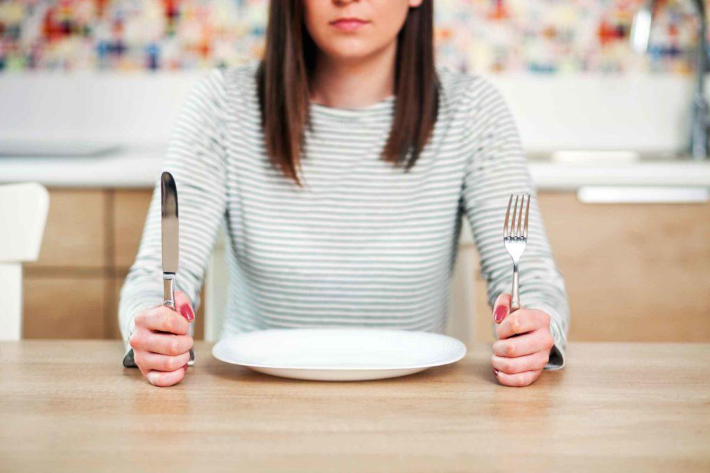 عوارض و مضرات نخوردن صبحانه