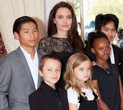 آنجلینا جولی و فرزندانش , زهرا، مادوکس، پکس، ویویان، ناکس