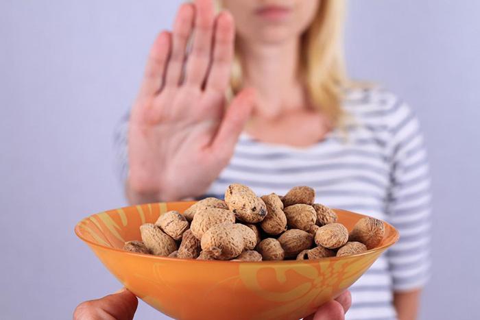 آلرژی و حساسیت به بادام زمینی
