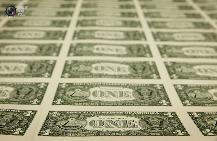 چاپ اسکناس های دلار