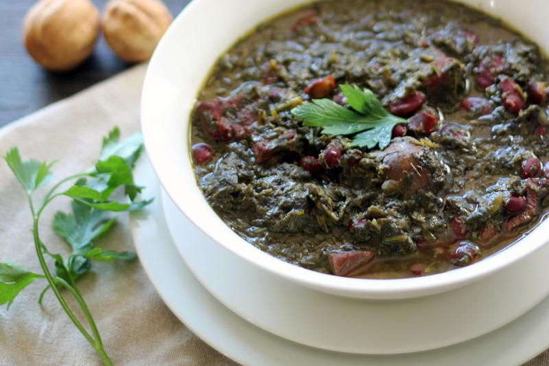 طرز تهیه قورمه سبزی با لوبیا