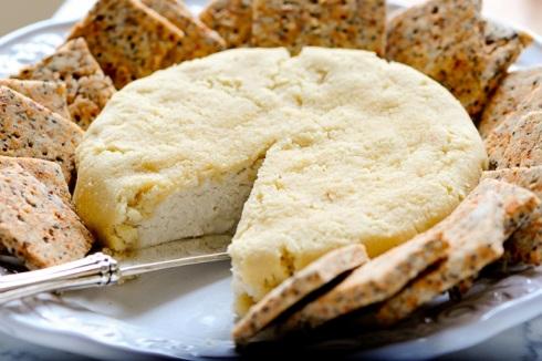 پنیر گیاهی با بادام