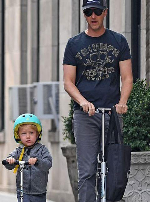 ادوارد نورتون و پسرش اطلس