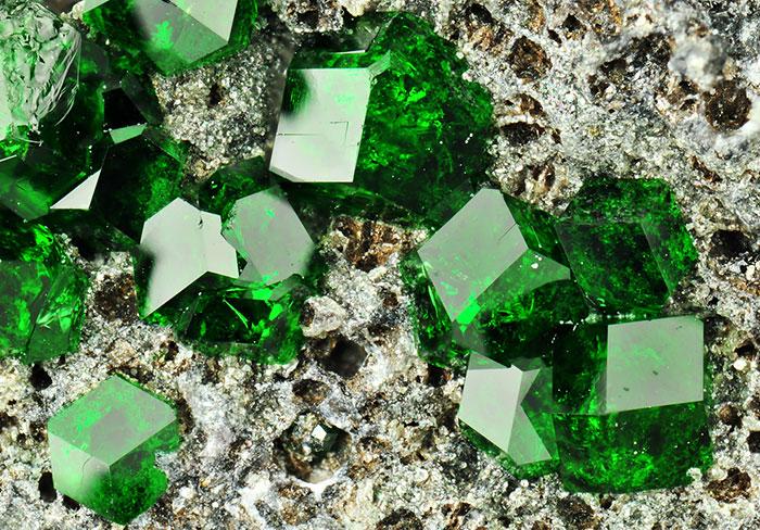 عکس های شگفت انگیز از سنگ های معدنی بسیار زیبا