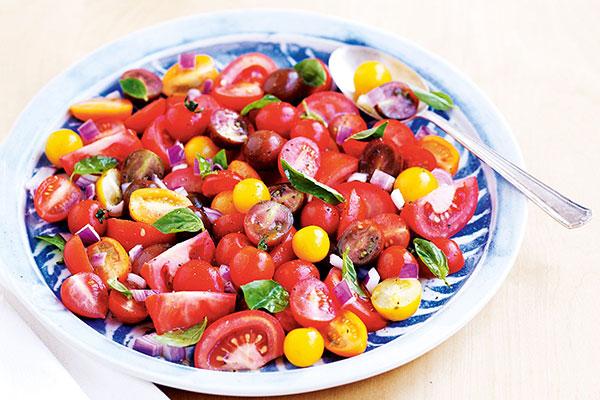 تزیین سالاد گوجه فرنگی