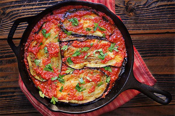 طرز تهیه خوراک بادمجان و گوجه فرنگی