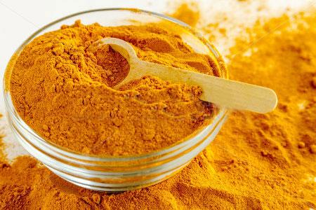 با ترکیب زردچوبه، روغن زیتون و پودر فلفل سیاه با سرطان مقابله کنید