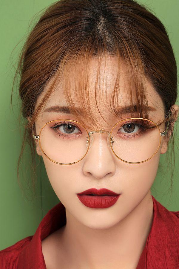 مدل آرایش مخصوص عینکی ها