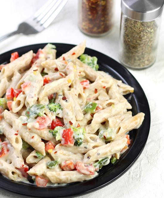 طرز تهیه پاستا گیاهی ، پاستا سبزیجات با سس سفید