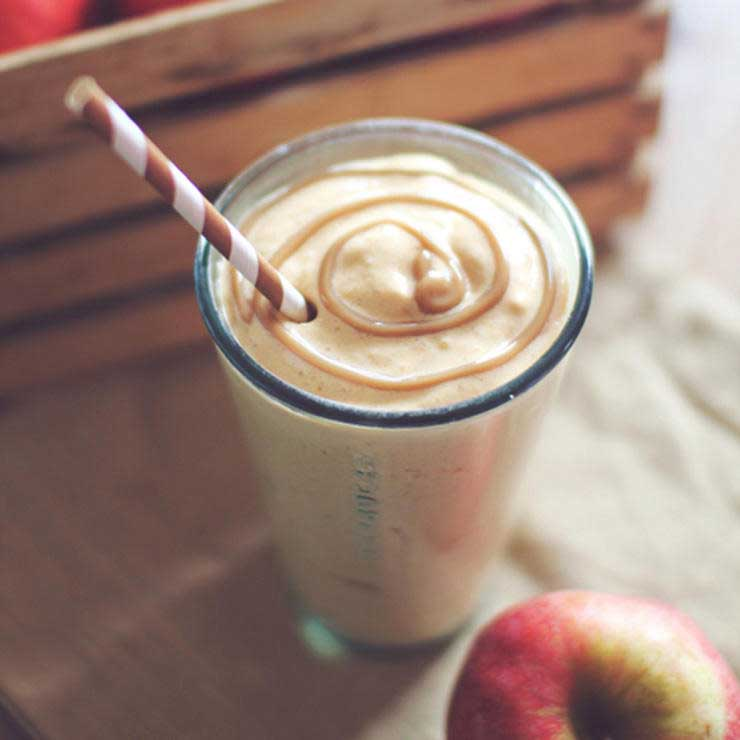 شیک پروتئینی پای سیب کاراملی