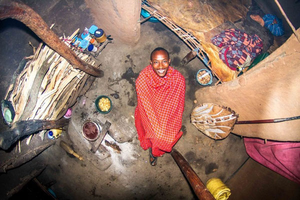 اتاق خواب جوان کنیایی، 22 ساله