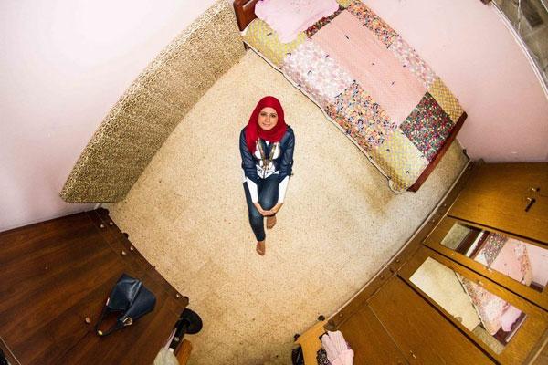 اتاق خواب دختر لبنانی، 27 ساله