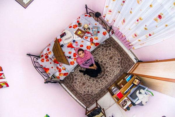 اتاق خواب الهه، دختر ایرانی