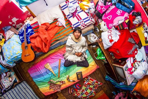 اتاق خواب جوان بولیویایی، 18 ساله