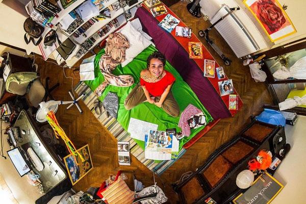 اتاق خواب دختر رومانیایی، 24 ساله
