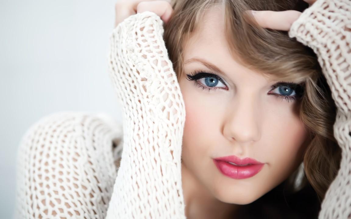 عکس دختر خوشگل برای تصویر پس زمینه