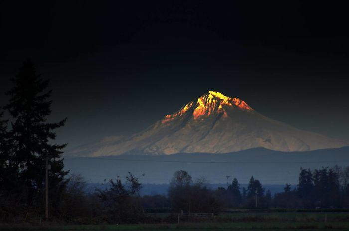 کوه درخشان