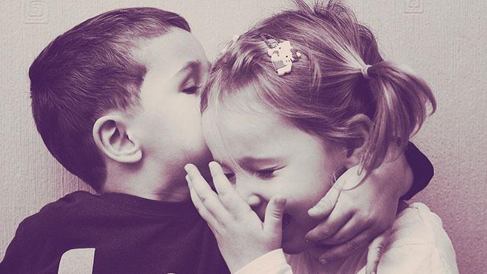 عکس عاشقانه بوسه دختر و پسر