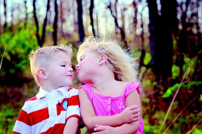 عکس بوسه دختر و پسر عاشق