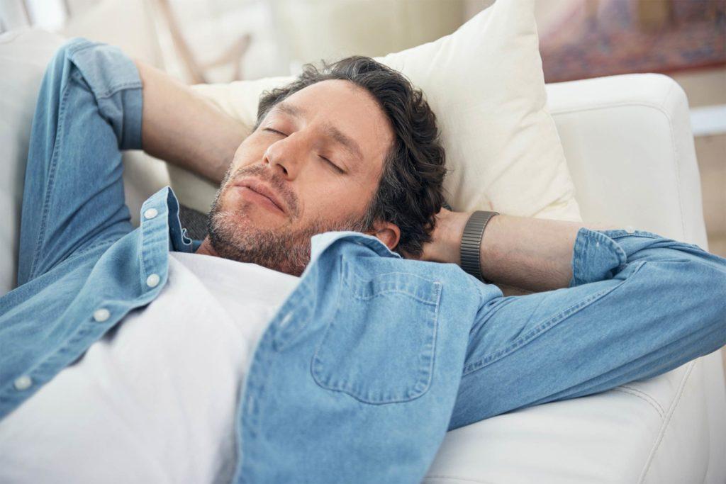 عوارض گرسنه خوابیدن و شام نخوردن