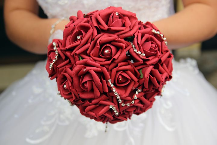 عکس دسته گل عروس رز قرمز