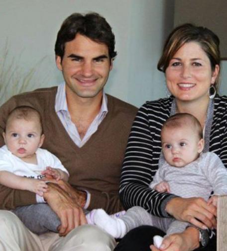 راجر فدرر و همسر و فرزندانش , عکس میرکا فدرر و دوقلو هایش