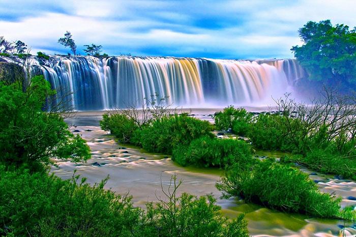 عکس آبشار و طبیعت زیبا