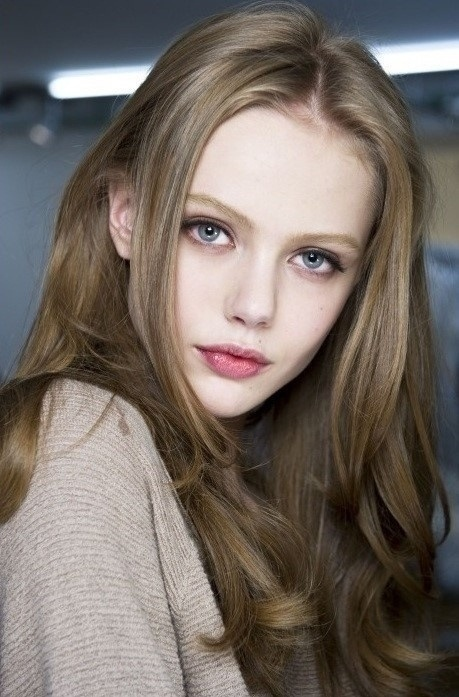 مدل رنگ موی قهوه ای زیتونی