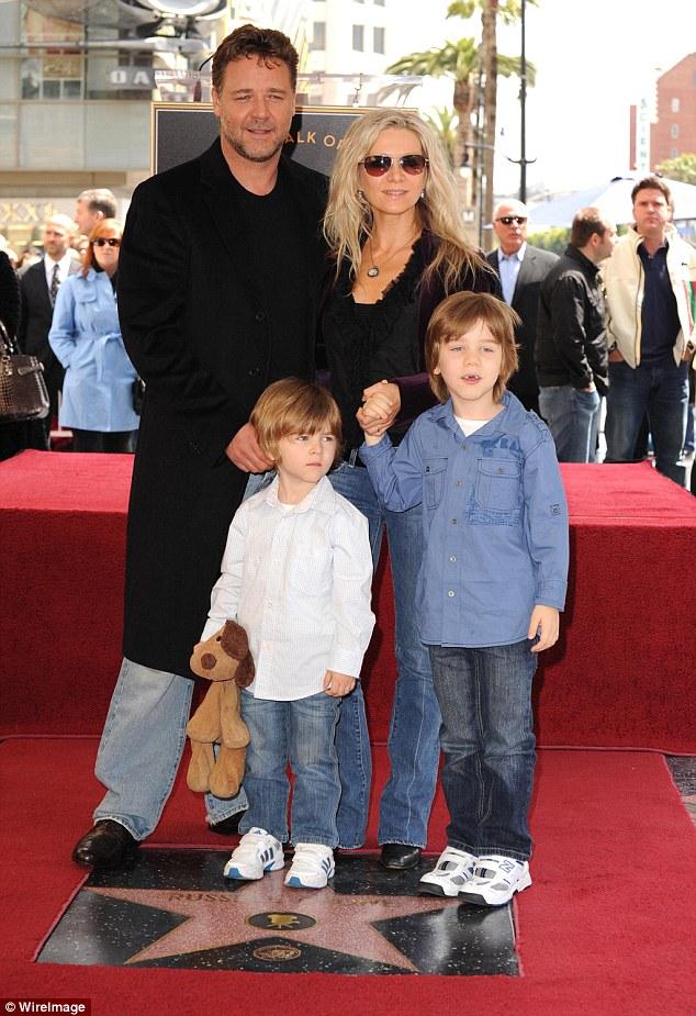 راسل کرو و خانواده , راسل کرو و همسرش , راسل کرو و پسرش