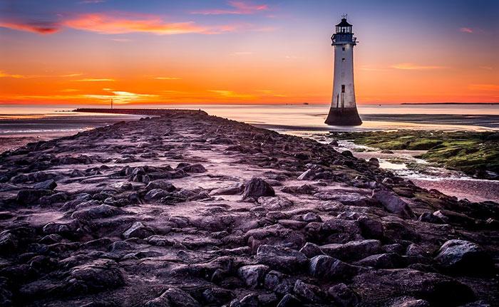 عکس فانوس دریایی و ساحل