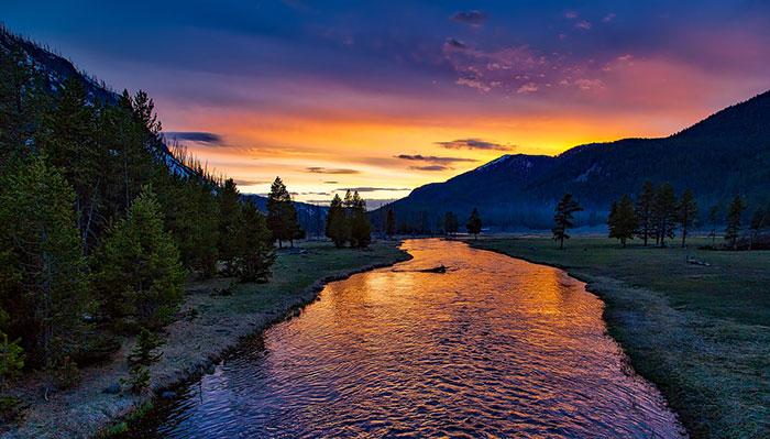 عکس ضد نور طبیعت و رودخانه