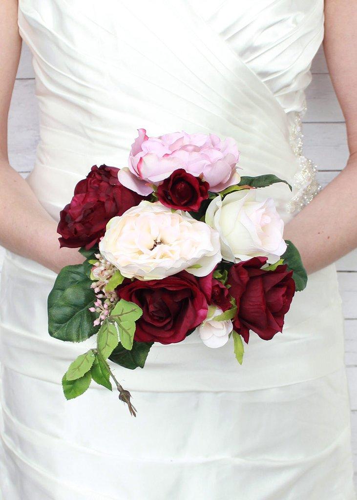 عکس دسته گل عروس رز سفید و قرمز