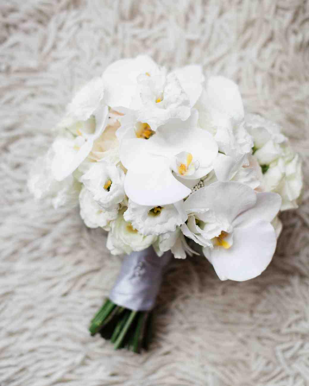 دسته گل عروس ارکیده سفید
